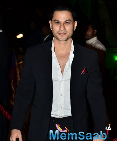 Kunal Khemu Smiling Look During Arpita Khan And Aayush Sharma Wedding Reception