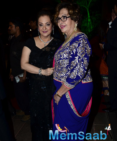 Saira Banu And Helen Khan Cool Posed For Camera During Arpita Khan And Aayush Sharma Wedding Reception