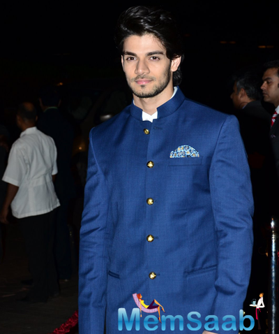 Suraj Pancholi Dazzling Look During Arpita Khan And Aayush Sharma Wedding Reception