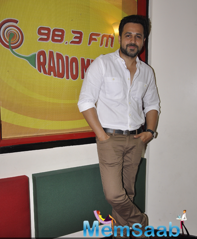 Emraan Hashmi Strikes A Pose At 98.3 FM At The Promotion Of Ungli Movie