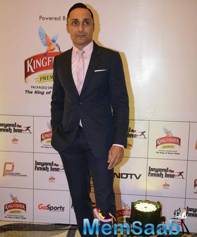Rahul Bose Dashing Look In Suit At Airtel Delhi Half Marathon 2014