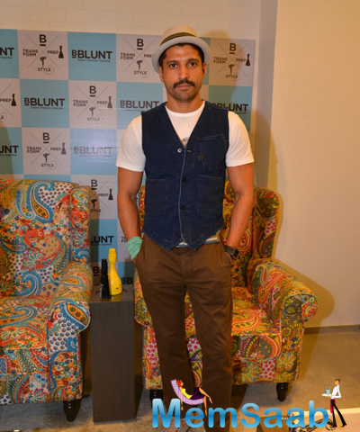 Farhan Akhtar Posed For Camera At The Launch Of BBlunt Salon