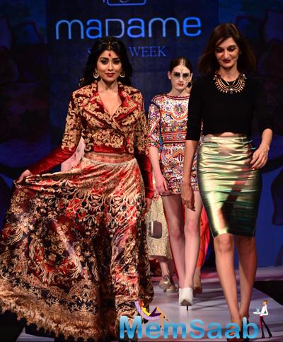Shriya Saran As A Showstopper At The Madame Style Week 2014