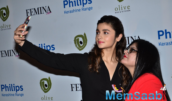 Alia Bhatt Take Selfie With A Fan During Femina 55th Edition Cover Page Launch Event