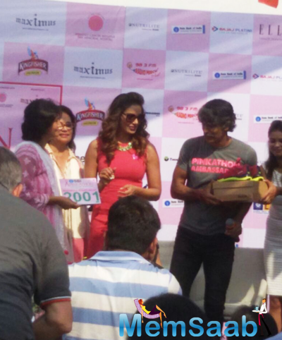 Bipasha Basu Participated With Milind Soman During The Pinkathon 2014 Press Conference