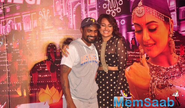 Remo D'Souza And Sonakshi Sinha Cool Pose During The Launch Of Radha Nachegi Song From Tevar Movie