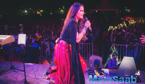 Sona Mohapatra Performs At An Event Of IIM Bangalore
