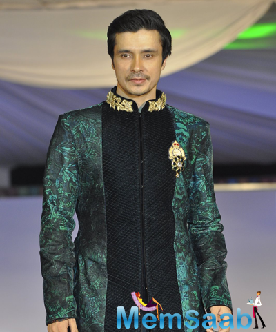 Darshan Kumaar Dashing Look At The Global Peace Initiative 2014