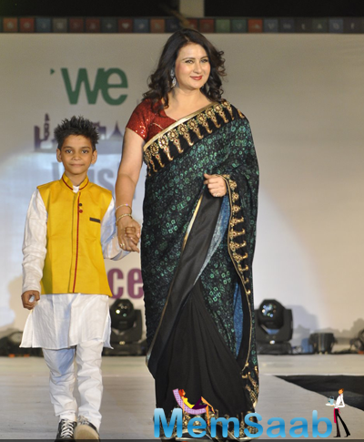 Poonam Dhillon Beautiful Look In Saree At The Global Peace Initiative 2014
