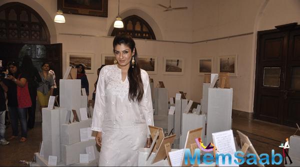Raveena Tandon Promoted Good Homes Event Art Week