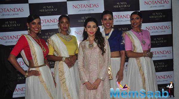 Karisma Kapoor Posing With Group At Notandas Jewellers Store