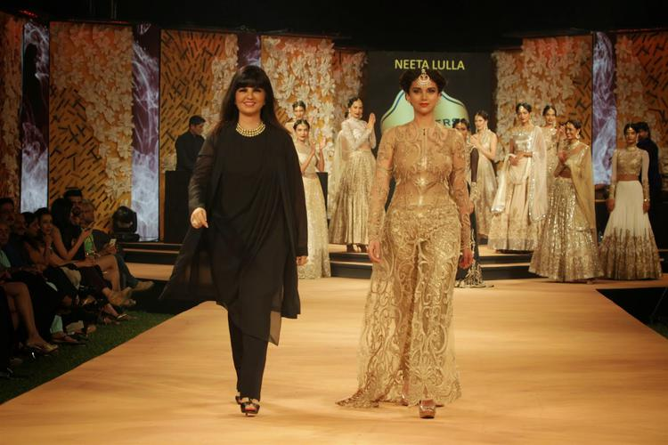 Designer Neeta Lulla Walked The Ramp With Aditi Rao Hydari On Day 1 At Blenders Pride Fashion Week 2014