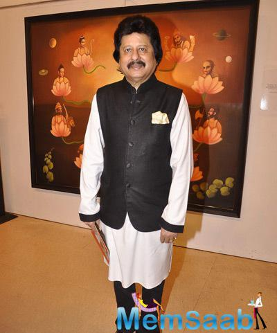 Pankaj Udhas Strikes A Pose During The Camel Colour Painting Exhibition 2014