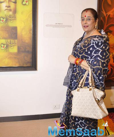 Poonam Sinha Present At The Camel Colour Painting Exhibition 2014