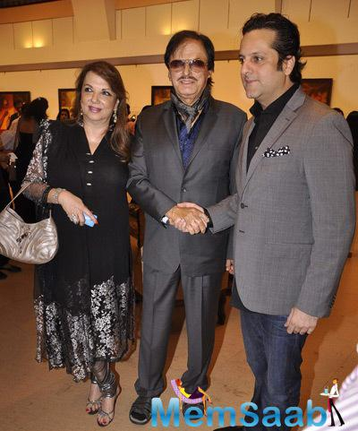 Zarine Khan,Sanjay Khan And Fardeen Khan During The Launch Of Camel Colour Painting Exhibition 2014