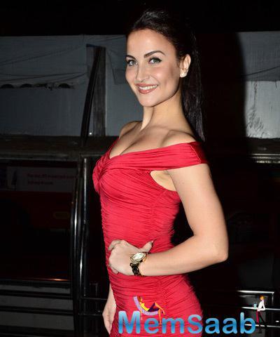 Sexy Babe Elli Avram Attended The Launch Of Bebe Store In Santacruz Mumbai