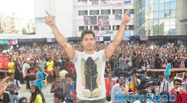Varun Dhawan Entertained And Participated At Mitthibai College Fest