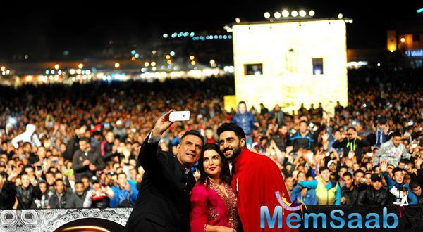 Farah,Abhishek  And Boman Clicked A Selfie At The14th MIFF
