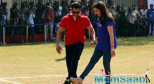 Salman Along With Nita Ambani Came Forward To Support Grassroots Football Movement