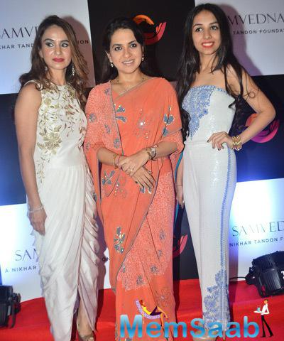 Fashion Designer Shaina Nana Chudasama Supported Charity Art Auction And Fund Raiser
