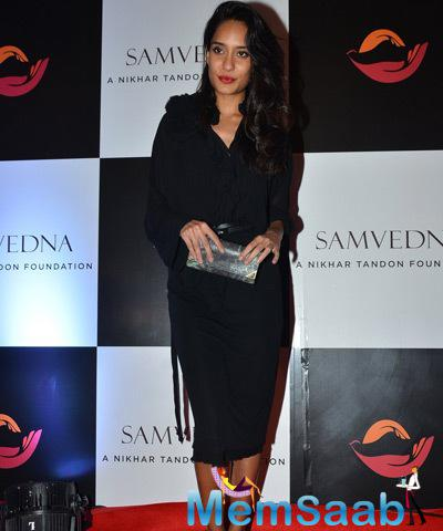 Lisa Haydon With A Stunning Look Snapped At Samvedna Foundation