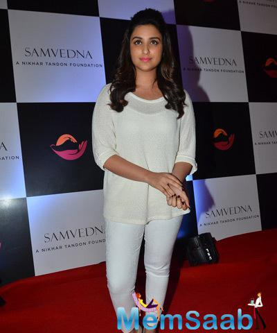 Parineeti Chopra Simple Look On Red Carpet During Samvedna Event Hosted By Nikhar Tandon