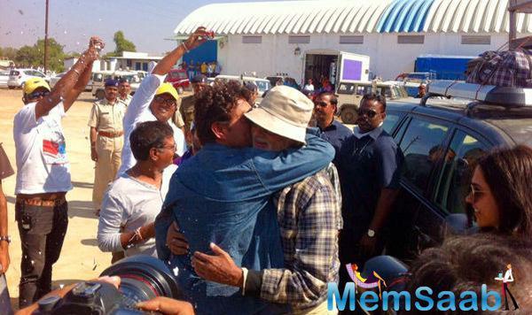 Irrfan Khan Kissed Amitabh Bachchan On The Sets Of Piku