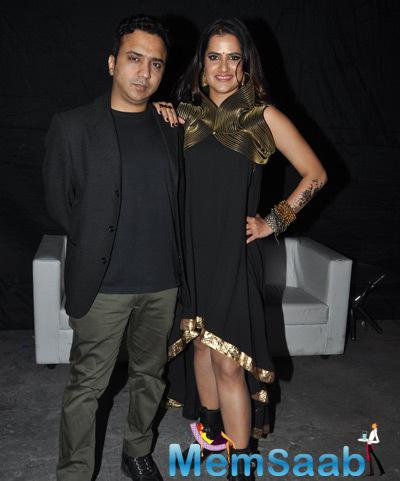 Ram Sampath Posed With His Wife Sona Mohapatra For Shutterbugs At Times Lit Festival
