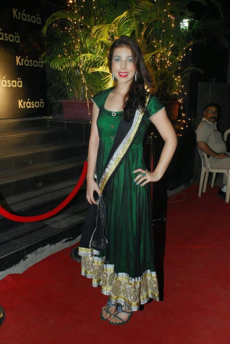 Anisa Traditional Look On Red Carpet At Vikram Phadnis New Fashion Store Krasaa Launch Event