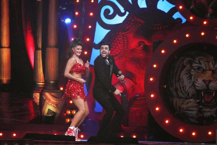 Jacqueline Fernandez And Manish Paul Cool Dance At Got Talent World Stage Live Show