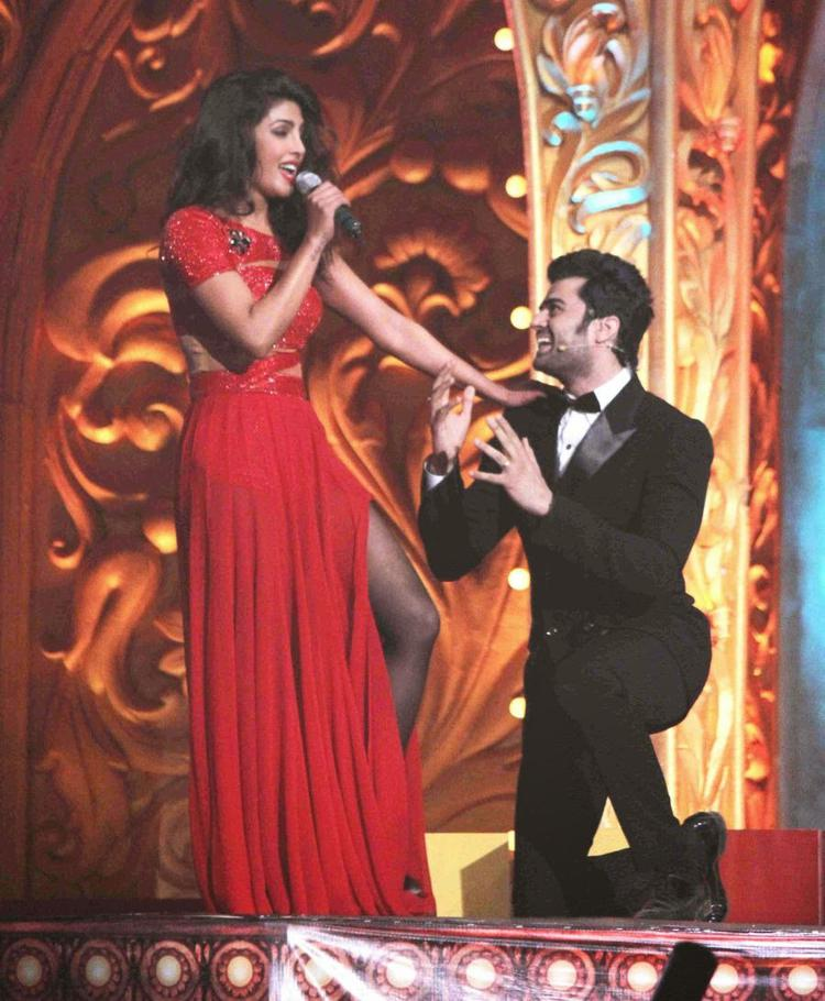 Priyanka Chopra Cool With Manish Paul On The Stage At Got Talent World Stage Live Show