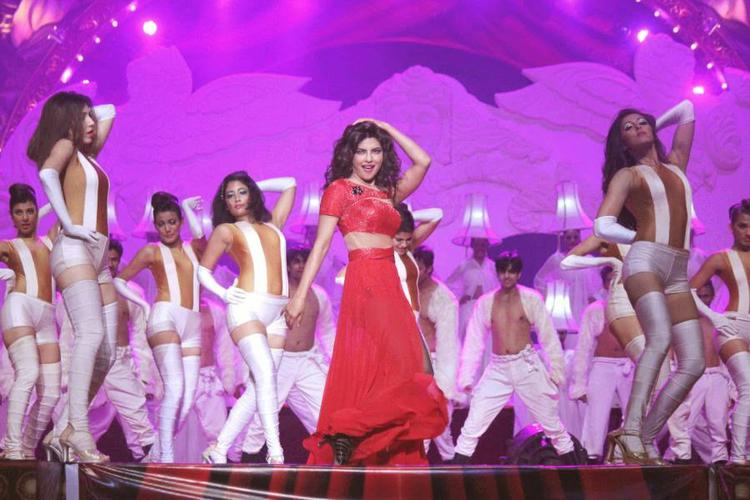 Priyanka Chopra Shakes Her Legs At Got Talent World Stage Live Show