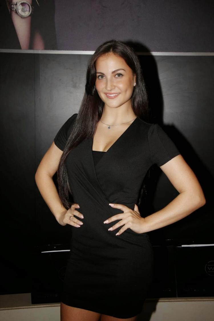 Elli Avram In Black Dress Stunning Look During The Launch Of Watches Of Switzerland