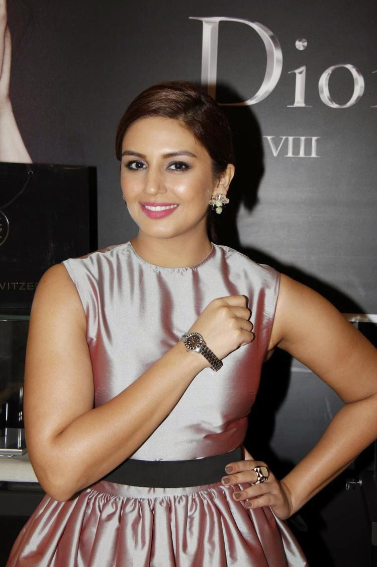 Huma Qureshi Beautiful Look At The Exclusive Preview Of A Luxury Watch Brand