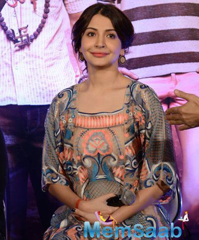 Anushka Sharma Cool Stunning Look During The PK Movie Press Meet