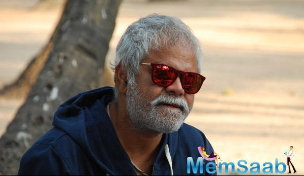 Sanjay Mishra Nice Look On The Sets Of  Gun Pe Done Movie