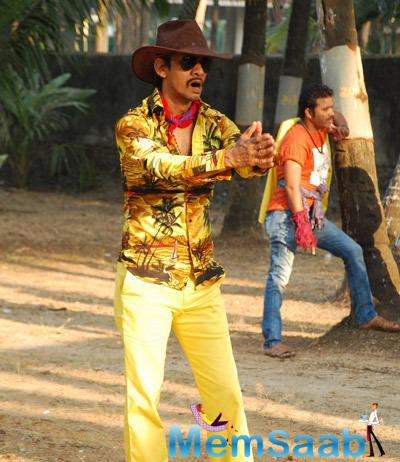 Vijay Raaz Funny Look In Yellow Printed Shirt On The Sets Of  Gun Pe Done Movie
