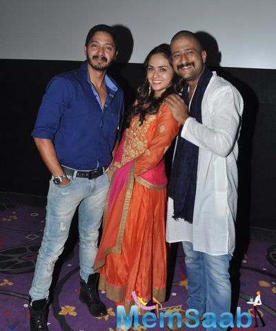 Shreyas,Amruta And Jitendra Cool Posed During The Trailer Launch Of Baji