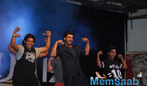 Arjun Kapoor Shakes His Legs With College Students While Promoting Tevar