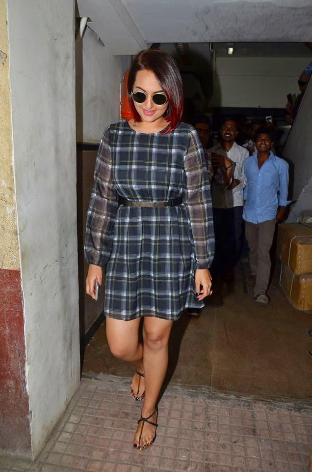 Sonakshi Sinha Styled By Sakshi Mehra For Tevar Promotion At Red FM