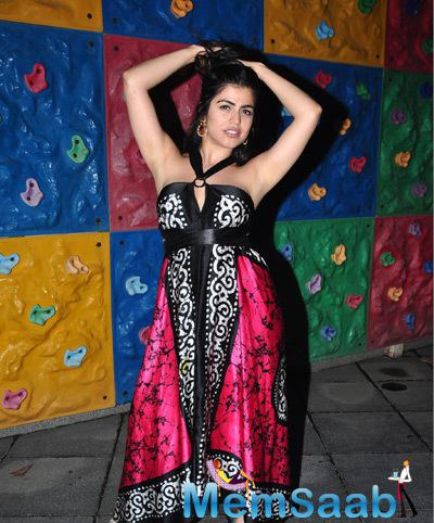 Shenaz Treasurywala Strikes A Pose During The Promotional Event Of Main Aur Mr. Riight