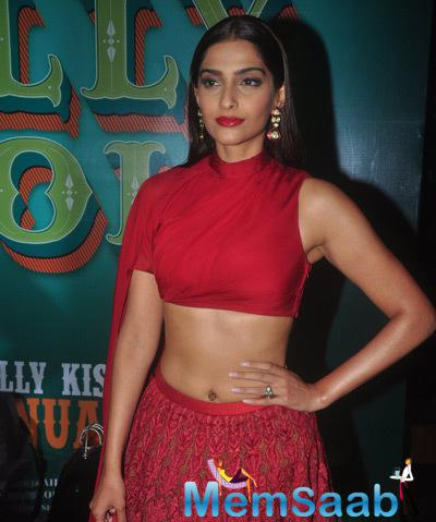 Sonam Kapoor Hot Stunning Look During The Trailer Launch Of Dolly Ki Doli