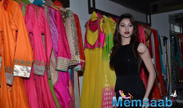 Urvashi Rautela Strike A Pose For Shutterbugs At The Launch Of Rajat Tangri New Dress Collection