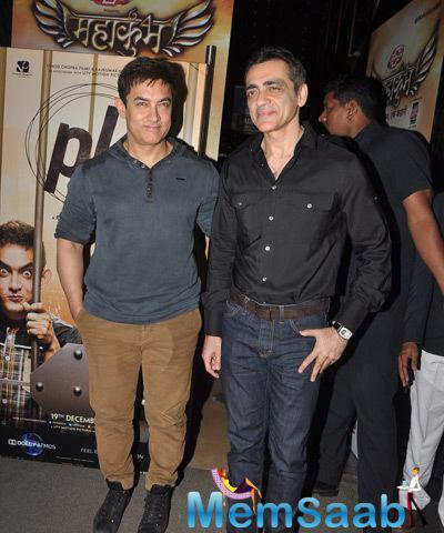 Aamir Khan Strikes A Pose For The Special Screening Of PK
