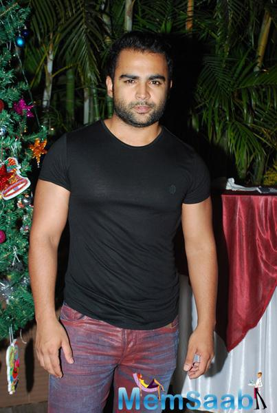 Sachiin J Joshi Posed During Karanveer Bohra House Warming Party