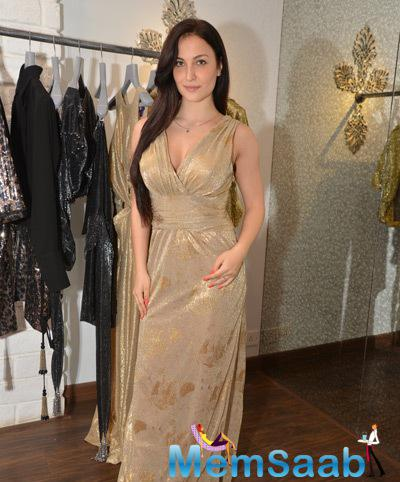Elli Avram Attended The Launch Of Seema Khan's New Christmas Collection Metallic Lame At Her Store Bandra 190