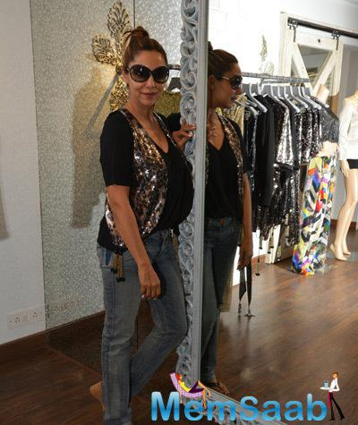 Gauri Khan Gave A Pose For Shutterbugs At The Launch Of Christmas Collections