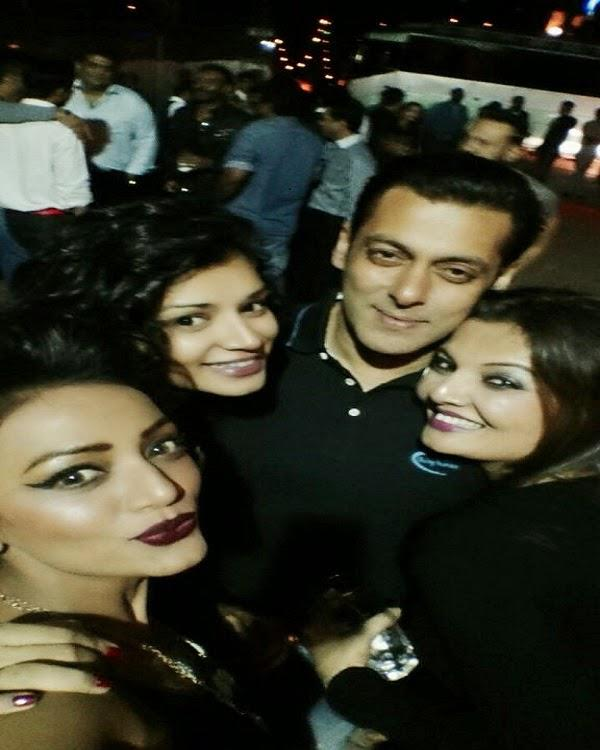 Bollywood's Bhai Salman 49th Birthday Bash With Serial Actress