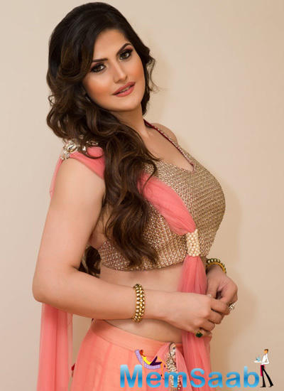 Zarine Khan Spotted At San Francisco Christmas Gala Event
