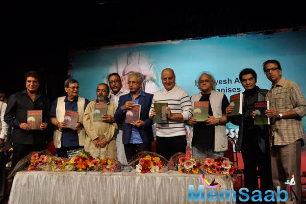 Raj,Subhash,Jackie,Naseeruddin,Anupam And Asrani Launched Ali Peter John Witnessing Wonders Book